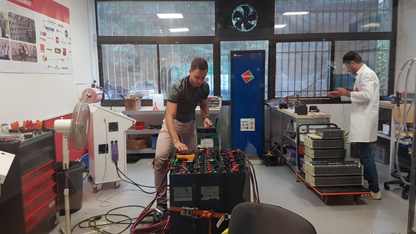 Batteries regenerator R & D